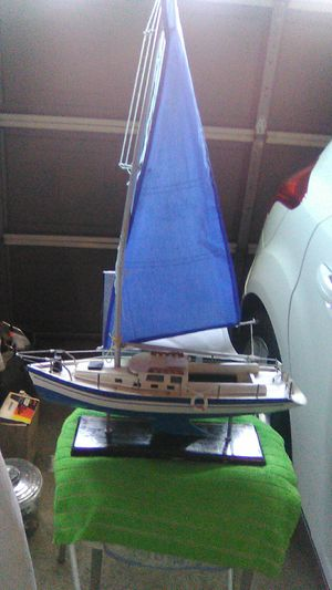 HANDMADE SAILBOAT MODEL IN GREAT CONDITION $50.00 OR BEST OFFER MAKE ME A OFFER for Sale in Mission Viejo, CA