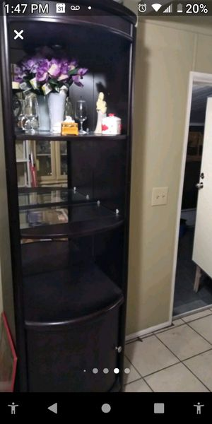 2 WALL UNIT / BOOKSHELVES / END SHELVES for Sale in Belleair, FL