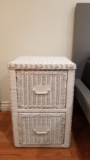 White Hand Woven 2 Drawer Nightstand for Sale in Long Beach, CA