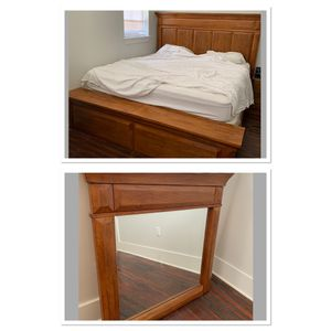 Beautiful King Size Bed - Headboard Footboard Siderails AND Mirror for Sale in Round Rock, TX