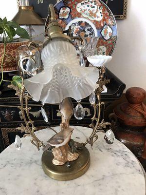 Beautiful lamp for Sale in Fontana, CA