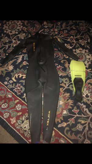 Xterra vortex 4 wetsuit large !! for Sale in Silver Spring, MD