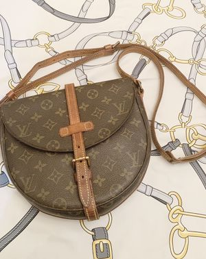 Authentic Louis Vuitton Monogram Chantilly Sling Bag for Sale in Tampa, FL