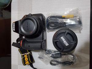Nikon D3300 24.2MP Digital SLR 1080p Camera and 18-55mm Lens Kit for Sale in Torrance, CA
