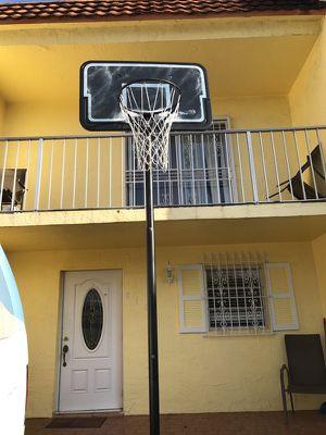 Basketball hoop for Sale in Hialeah, FL