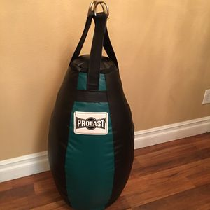 PUNCHING BAG BRAND NEW TAER DROP BALL 70 POUNDS FILLED for Sale in Fontana, CA