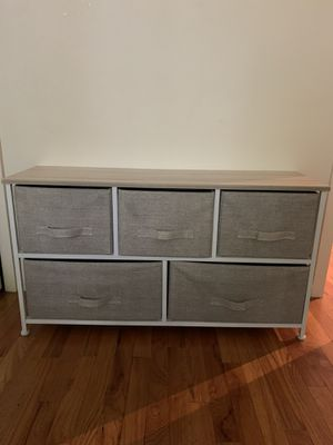 5 drawer dresser for bedroom or living room for Sale in New York, NY