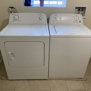 Washer And Dryer Set for Sale in Chicago, IL