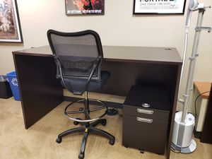 Stand up tall desk...solid wood $99.00 or best offer for Sale in San Diego, CA