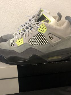 Jordan 4 95 Neon for Sale in Hawthorne,  CA