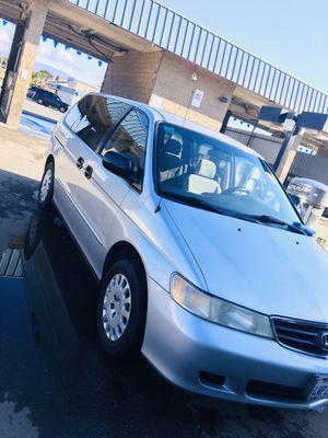 Honda Odyssey 04, título limpio, cero fallas, no check engine, limpio por dentro y fuera corre de una ciudad a otra sin ningún problema, el precio es for Sale in Salinas, CA