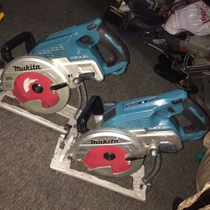 On sale 2 magnesium makita 36 V skilsaw is only tool both for $$$290 dollars or 1 makita skilsaw for $$$155 dollars firm price i have in oakland not for Sale in Oakland, CA