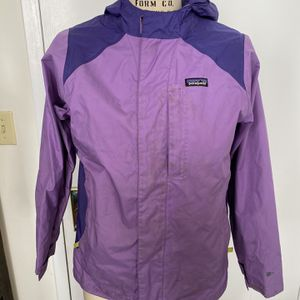"Patagonia Girls Purple / Lilac H2No Windbreaker Jacket waterproof XXL 16-18. Condition is ""Pre-owned"". See pictures ask questions and make an offer! for Sale in Brooklyn, NY"