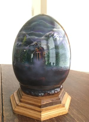 Large egg, signed for Sale in Tyler, TX