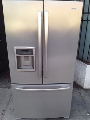 REFRIGERATOR KENMORE ELITE FRENCH DOORS STAINLESS STEEL ICE MAKER MACHINE WATER DISPENSER EXTREMELY CLEAN for Sale in Los Angeles, CA