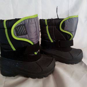 Winter Snow Baby Boots size 7 MEX 14 New for Sale in Phoenix, AZ