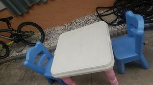 Kids table and 2 chairs 35 for Sale in Lake Worth, FL
