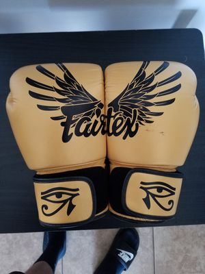 Fairtex boxing gloves 14 oz. for Sale in East Compton, CA