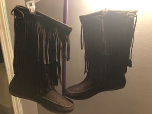 Rustic suede fringe boots 10m. Comfy rust colored for Sale in Myrtle Beach, SC