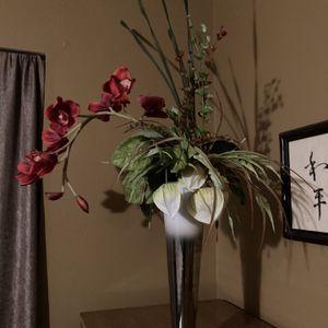 """Elegant Silk Flower Arrangement 36"""" Tall for Sale in Houston, TX"""