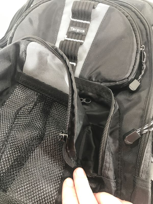 Backpack. Targus. One zipper broken see pix. Comes with laptop iPad pocket. Looks brand new