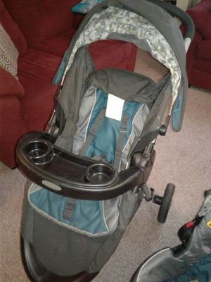Graco car seat and base, plus stroller! for Sale in Columbus, OH