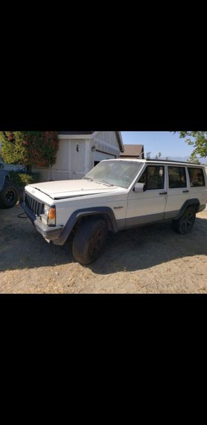1994 jeep Cherokee xj 2 wheel drive for parts or fix for Sale in Bloomington, CA