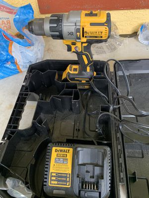 Dewalt brushless xr 3 speed hammer drill 1 battery 1 charger and case for Sale in Plant City, FL
