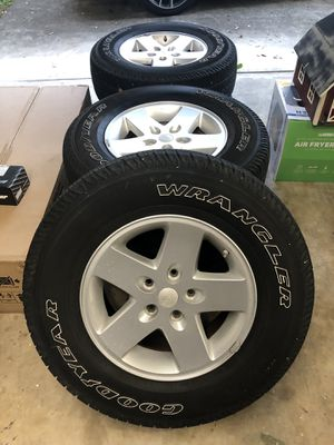 "5-17"" Jeep Wrangler wheels and tires with TPMS sensors for Sale in Seminole, FL"