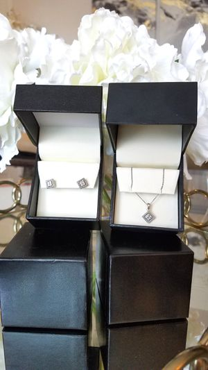 Fred Meyer Jewelers Silver Earrings and Necklace for Sale in Salem, OR