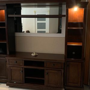 Entertainment Center Tv 300.00 OBO for Sale in Hollywood, FL