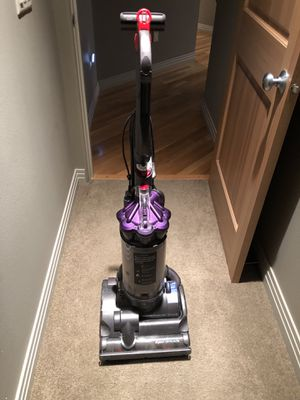 Dyson Animal Airmuscle Vacuum for Sale in Wenatchee, WA