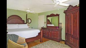 King bedroom set for Sale in Tampa, FL