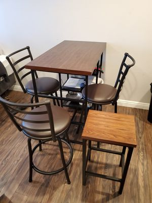 Wood table with chairs.(3 months of use) for Sale in Los Angeles, CA