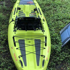 Crescent Kayak Lite Tackle Citron for Sale in Miami, FL