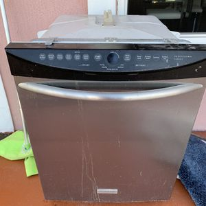 Dishwasher Lava Platos Buen Estado for Sale in Miami Gardens, FL