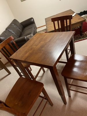 Cute counter height table 30x30x36 with 4 chairs. for Sale in Broomfield, CO