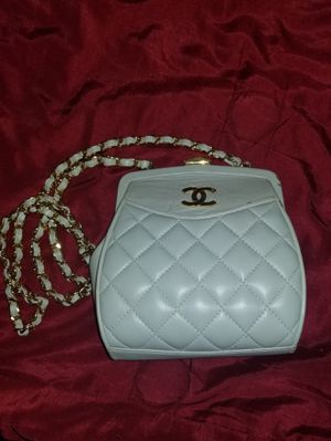 Vintage Chanel Bag for Sale in Pinellas Park, FL