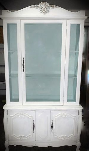 Gorgeous Wood hutch for Sale in St. Petersburg, FL