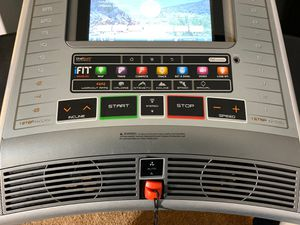 Nordictrack x11i Incline Trainer Treadmill for Sale in Las Vegas, NV