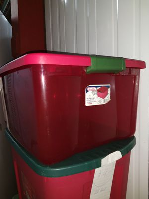 Storage TOTE BIN CONTAINER Christmas Red Sheer, Red Lid, 2 Latches, STERLITE 65 Qt for Sale in Miami, FL