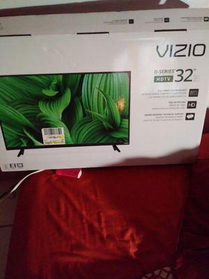 32 inch vzio tv for Sale in Atlanta, GA