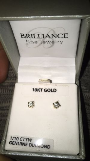 10kt gold with real diamonds for Sale in Yankee Hill, CA