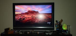 """Sony Bravia 40"""" LCD TV for Sale in Austell, GA"""