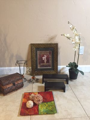 Home decoration for Sale in Spring Valley, CA
