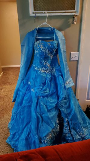 Sweet 16 dress size 6 for Sale in Palatine, IL