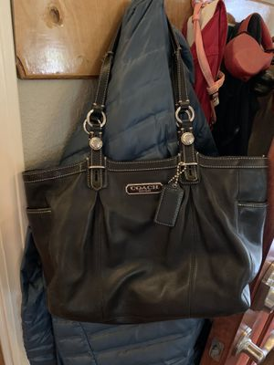 Leather Coach purse. Excellent used condition. for Sale in McMinnville, OR