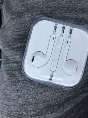 Apple earbuds for Sale in Naugatuck, CT