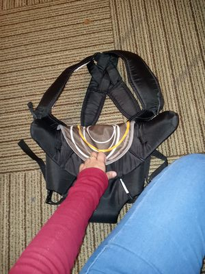 Baby carrier for Sale in DeSoto, TX
