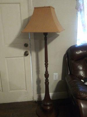 De todo un poco lámpara antigua for Sale in Houston, TX